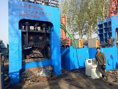 出售:800吨龙门式废钢剪切机