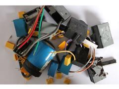 高价回收工厂废电子,电子废料价格,废旧线路板等
