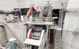 供应:破碎机入料口用固定式液压机械工作手臂