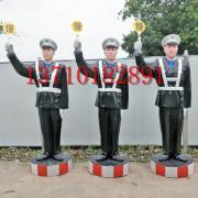 玻璃钢仿真警察举慢字牌高速公路假警察模型模拟仿真交警