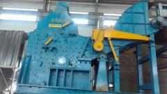 出售:废钢破碎机 抓钢机