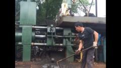 25年生产经验卧式630T钢花屑饼机