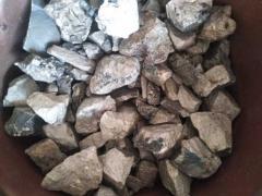 出售:钒铁,钼铁,钒氮合金,镍板,铌铁,需要联系15003396525.微信同号