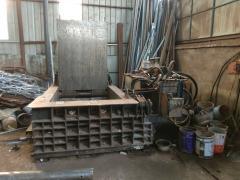 出售:250型液压金属打包机
