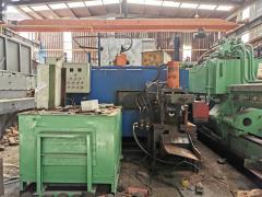 供应:铝型材挤压机