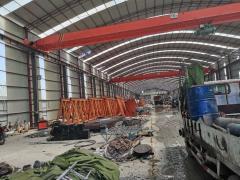 供应:钢构厂棚 2台行车